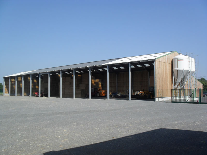 Charpente de hangar fourrage constructions rebours for Plan de batiment agricole
